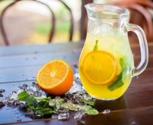 Domácí pomerančová limonáda
