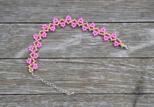 Růžovo-zlatý korálkový náramek